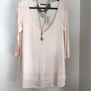 NWT Bke Red Ivory c neck flowy tunic top